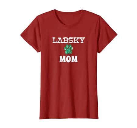 Labsky Mom women's dog t-shirt cranberry