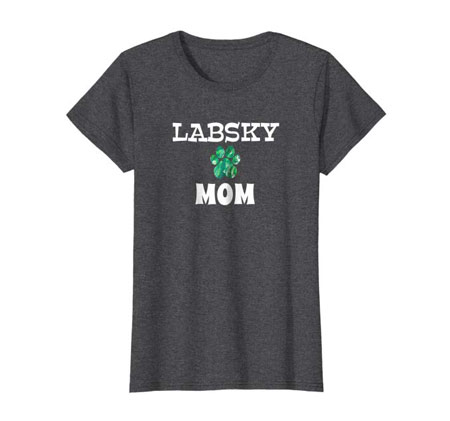 Labsky Mom women's dog t-shirt dark heather