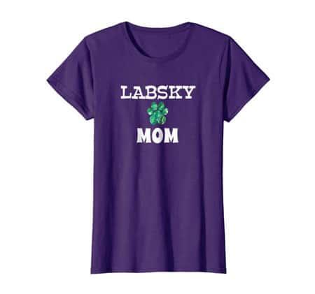 Labsky Mom women's dog t-shirt purple