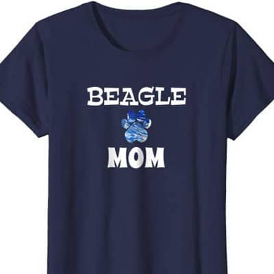 Barking Laughs Dog Mom shirt for the Beagle